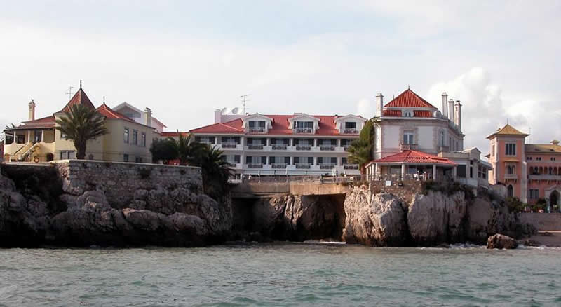the hotel albatroz viewed from the sea