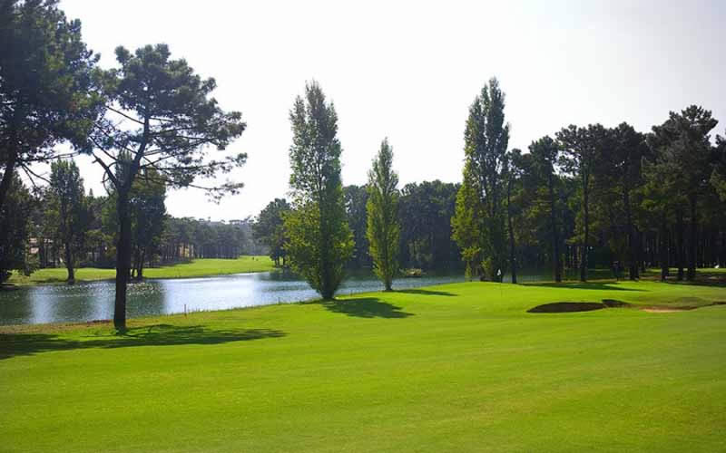 Aroeira 1 Golf Course, the 15th green