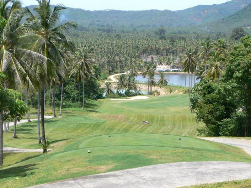 the spectacular view from the 4th tee at Bangpra Golf Club