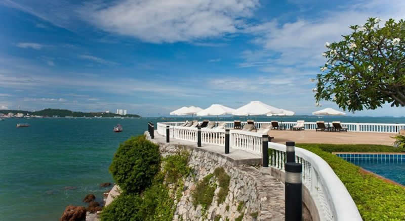 an ocean view fro yhe trrace of the dusit thani hotel pattaya