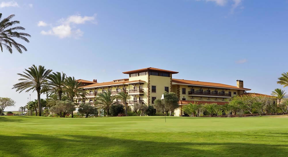 Fuerteventura Golf Club with the Elba Palace Golf Hotel in the background