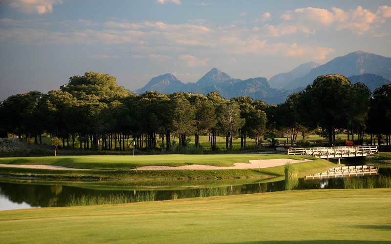 the 14th green with the magnificent Taurus mountains in the background