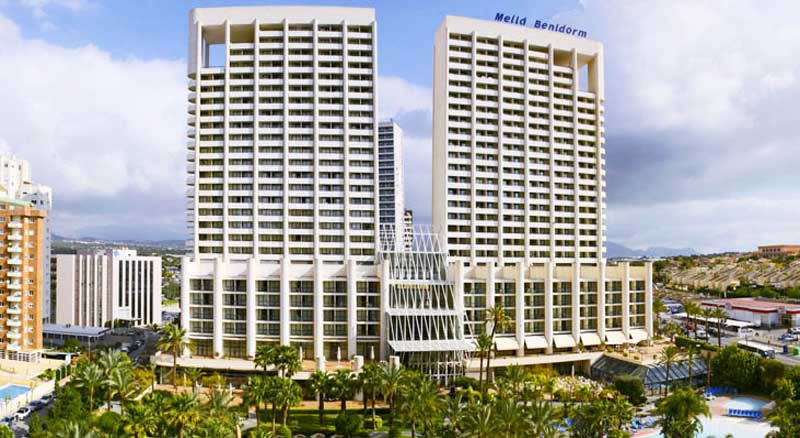 the 2 buildings of the Melia Benidorm Hotel