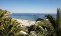 the sesimbra beach