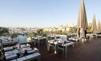 the terrace restaurant overlloking vilamoura marina