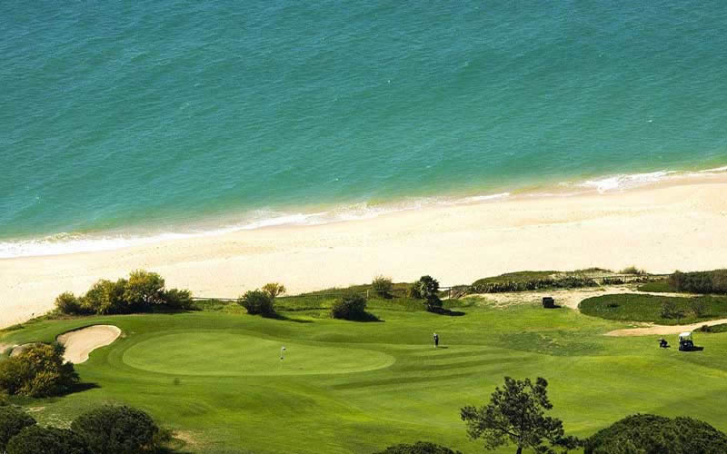the 5th green at vale do lobo ocean