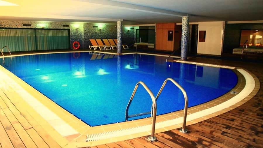 the indoor swimming pool at the hotel villa la romana, salou, costa dorada