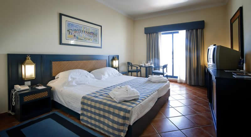 a double bedroom at the vila gale tavira hotel