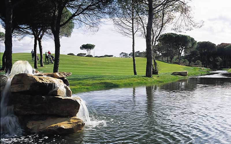 golfers on the fairway at vila sol